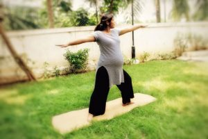 prenatal warrior2 pose